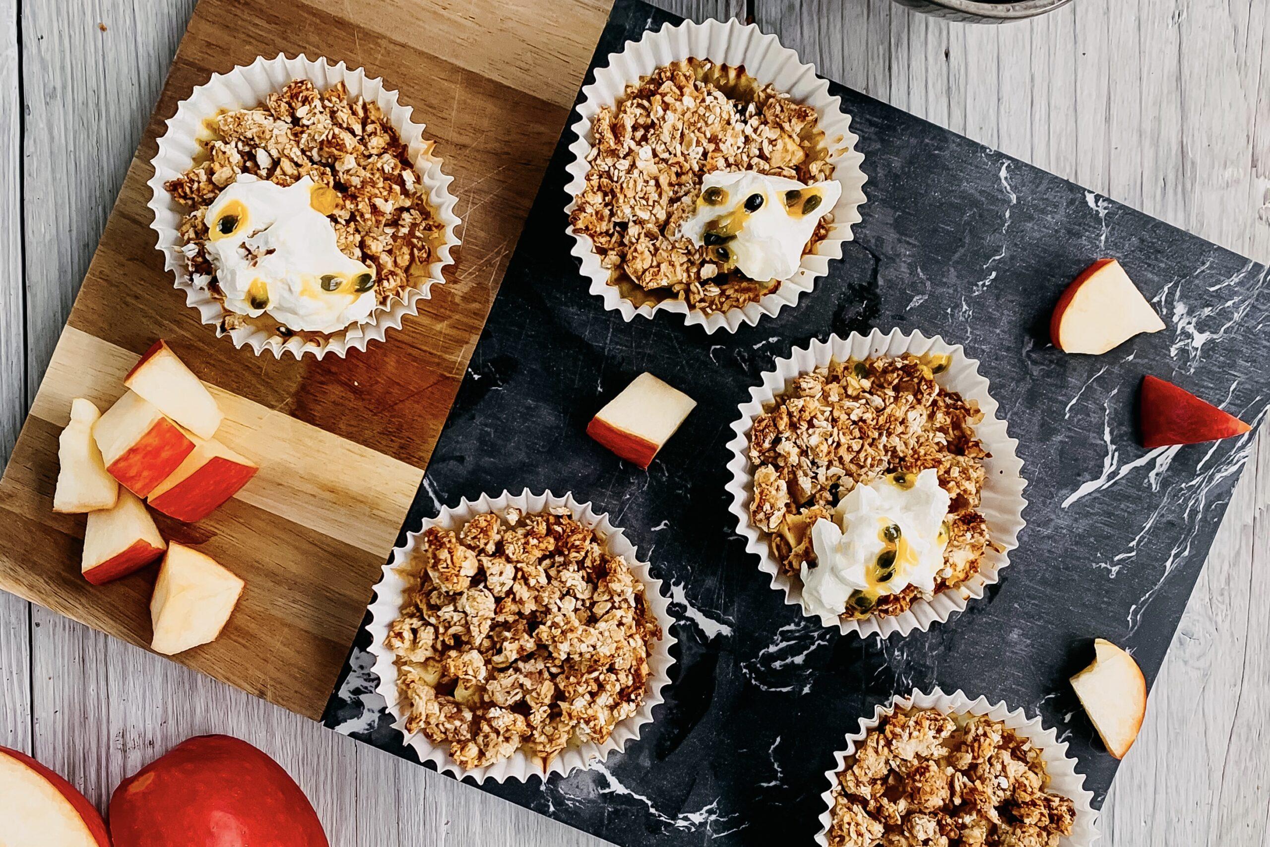 Appelkruimel taartjes met passievrucht